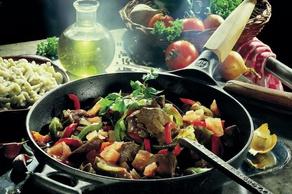 Rehgulasch mit Gemüse